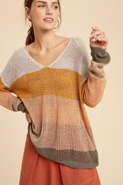 Wishlist Colorblock Loose Fit V Neck Lightweight Knit Sweater Pullover Top - Front cropped
