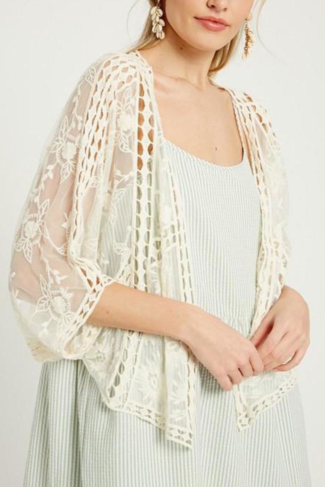 Wishlist Floral Lace Kimono - Front Cropped Image