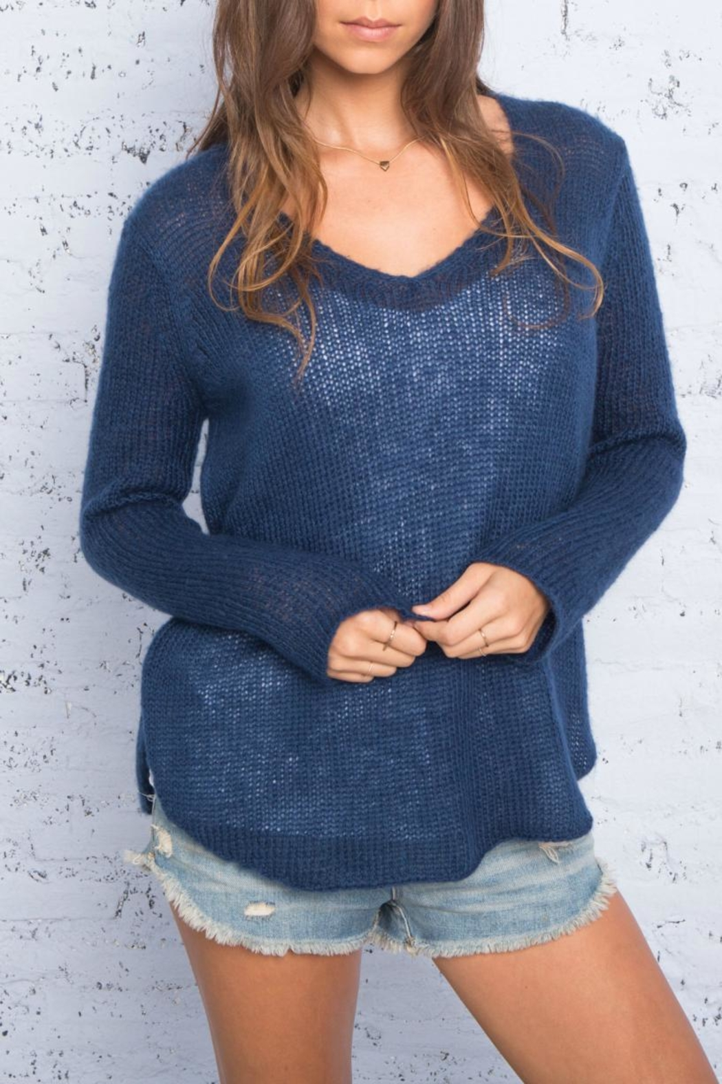 Wooden Ships V-Neck Shirt-Tails Sweater - Front Cropped Image