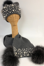 Mitchies Matching Wool Hat/Pearls/Fox Pom - Front cropped