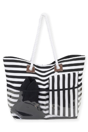 sun and sand Wosp Bay Bag & Hat Set - Front cropped