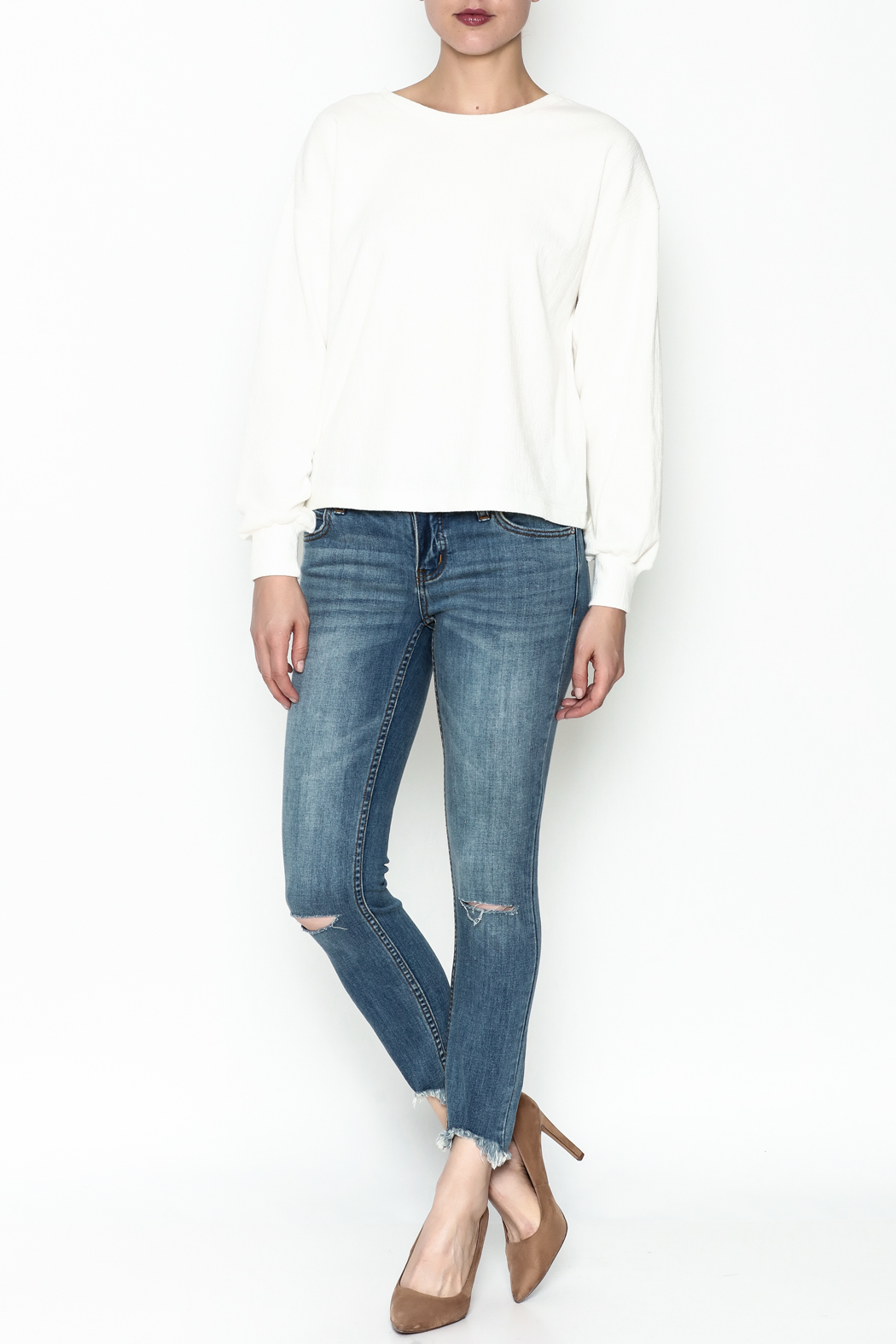 WREN & WILLA Light Crew Neck Pullover - Side Cropped Image