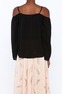 y&i clothing boutique Lightweight Black Boxy Top - Alternate List Image