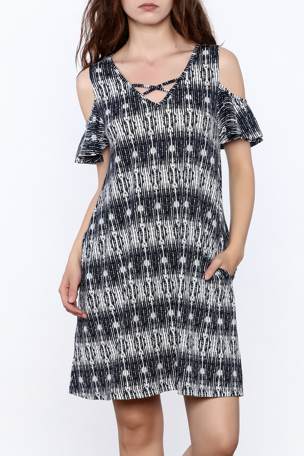 y&i clothing boutique Black Printed Oversized Dress - Front Cropped Image
