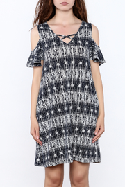 y&i clothing boutique Black Printed Oversized Dress - Side cropped