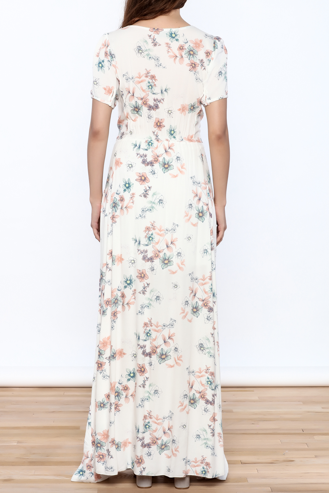y&i clothing boutique Cream Floral Maxi Dress - Back Cropped Image