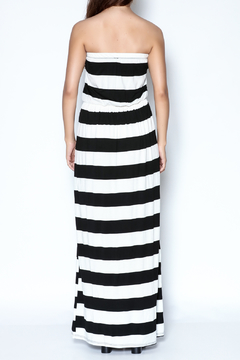 y&i clothing boutique Strapless Striped Maxi Dress - Alternate List Image
