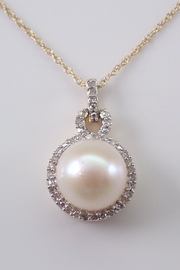 Margolin & Co Yellow Gold Diamond and Pearl Halo Pendant Necklace with Chain 18