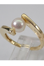 Margolin & Co Yellow Gold Pearl Solitaire Bypasss Engagement Ring Size 7.5 June Birthstone FREE Sizing - Side cropped