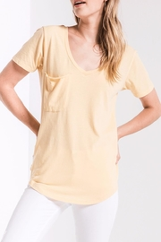 z supply Yellow Pocket Tee - Front cropped