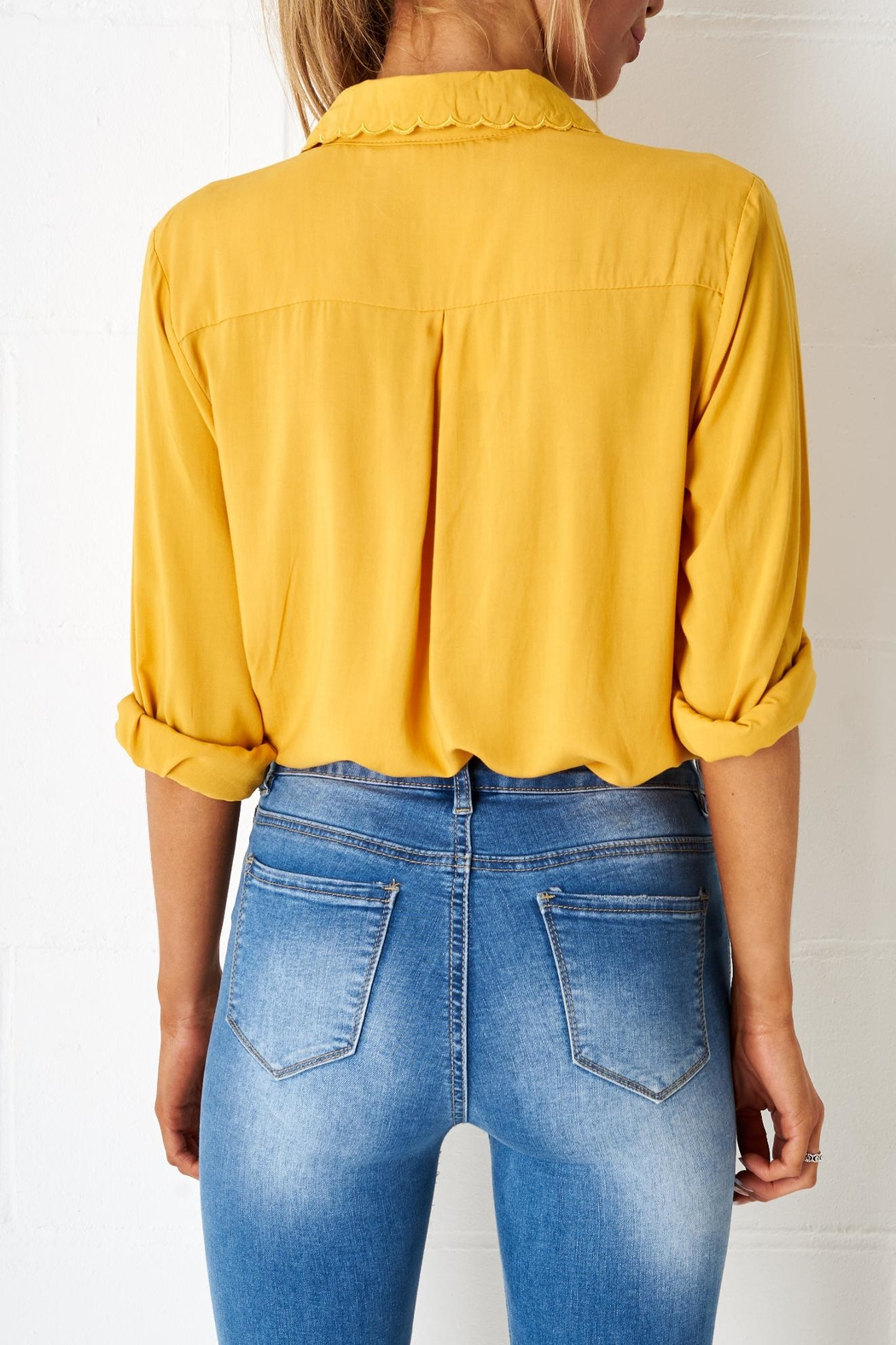 frontrow Yellow Scalloped Blouse - Side Cropped Image