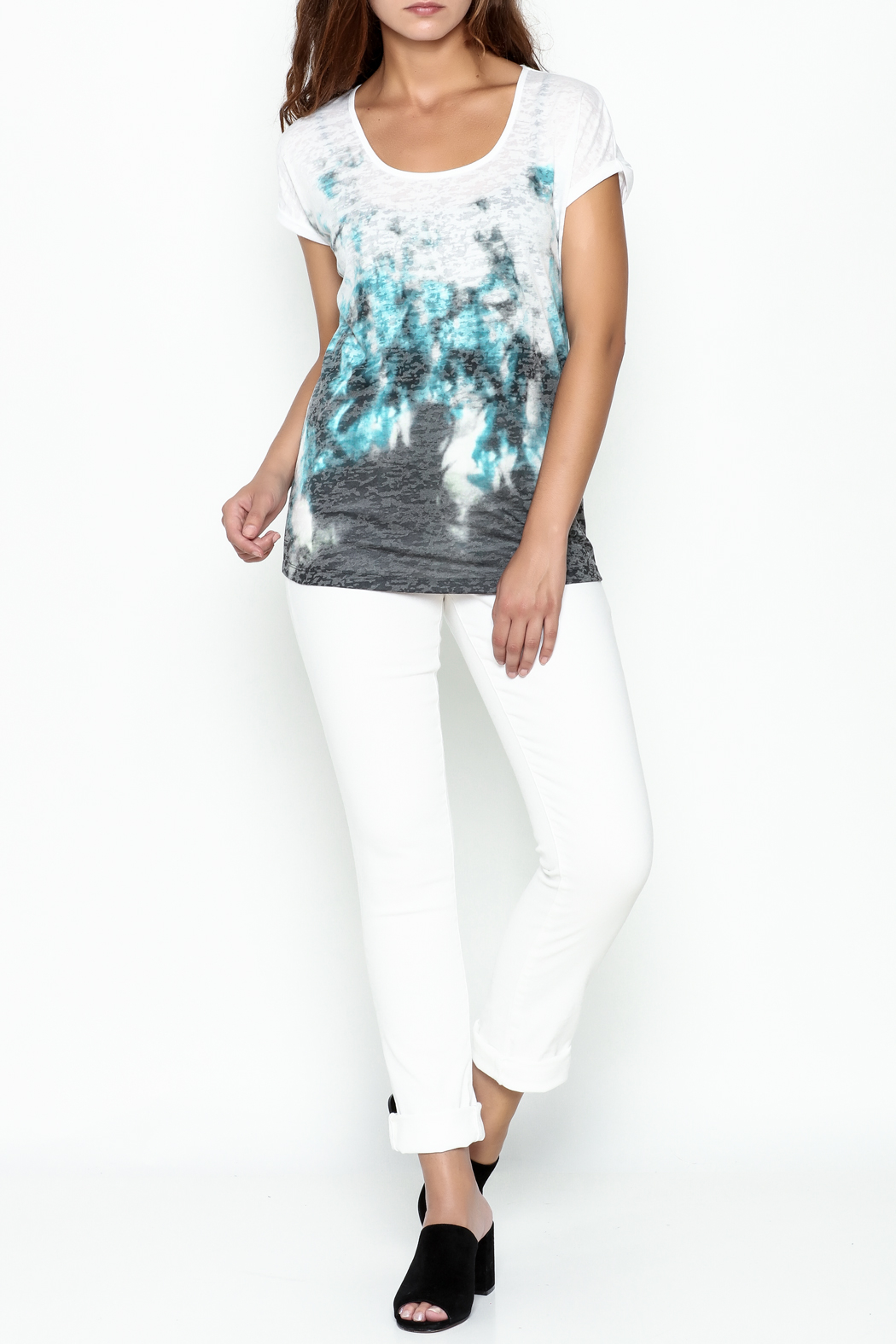 Yest Burnout Print  Tee - Side Cropped Image