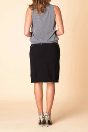 Yest Essential Top - Side cropped