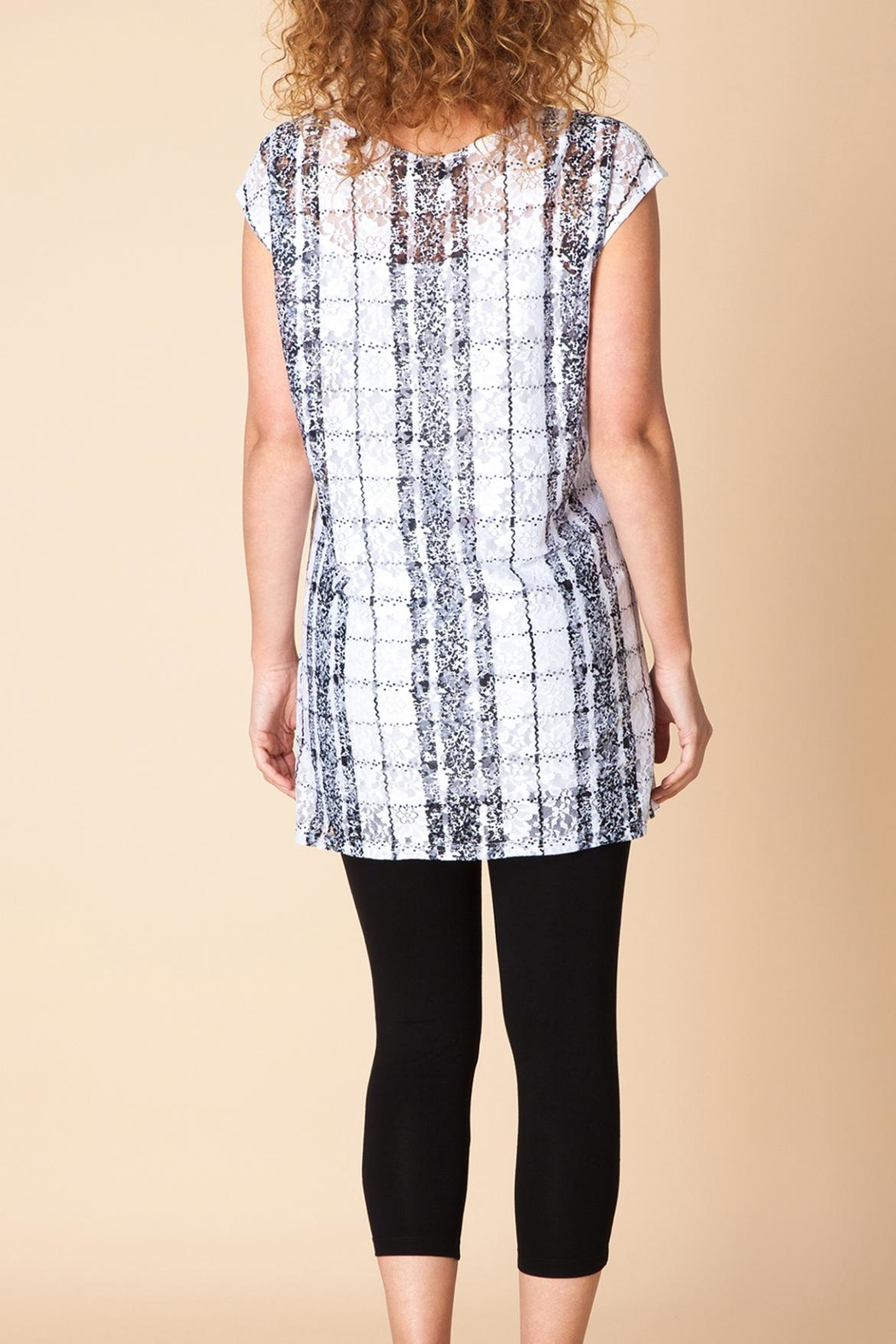 Yest Geometric Lace Top - Side Cropped Image