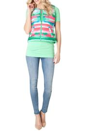 Yest Lightweight Reversible Vest - Front cropped