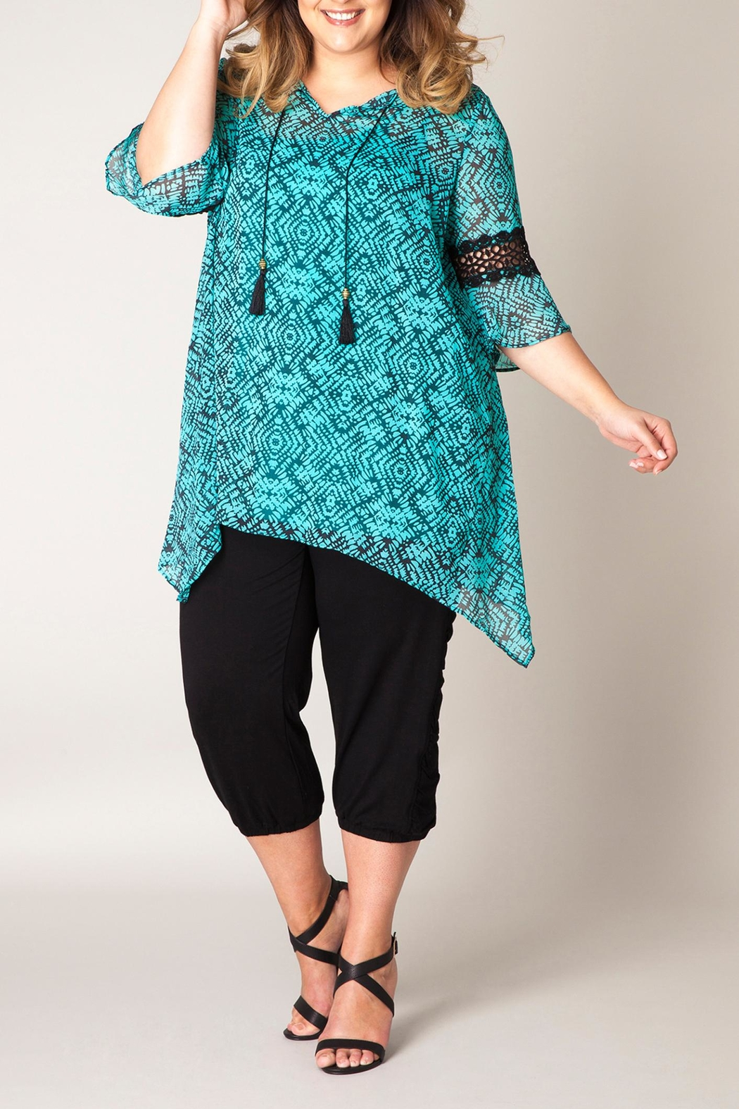 Yest Printed Tunic Top - Main Image