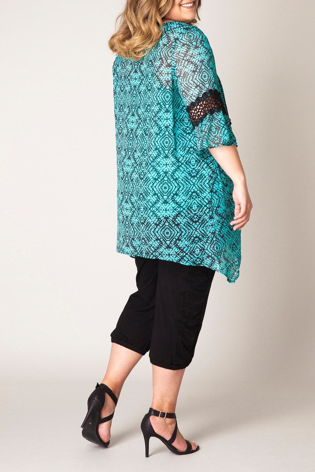 Yest Printed Tunic Top - Front Full Image