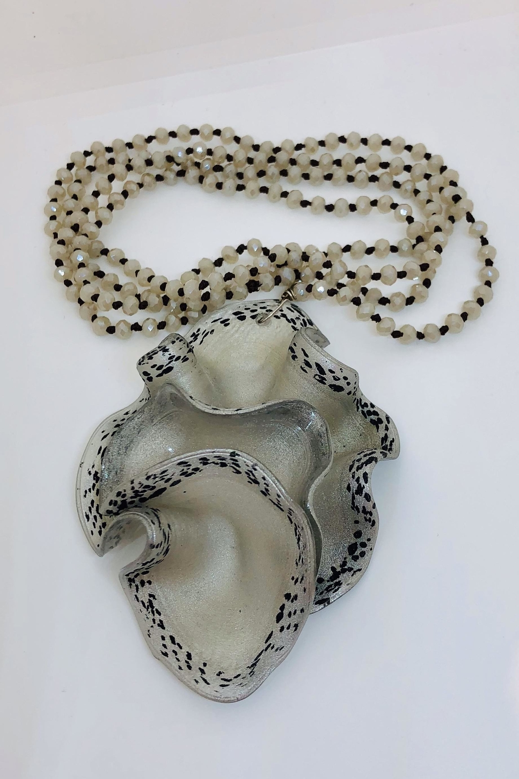 Ykaje Stretch Pendant - Main Image