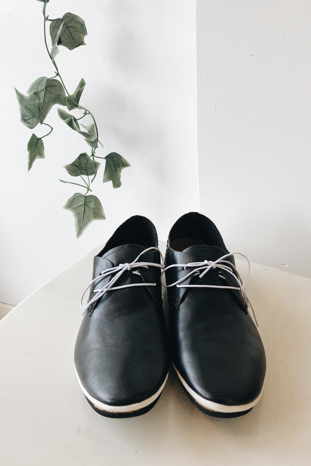 Yuko Imanishi Leather Tie Shoe - Main Image