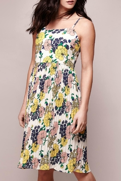Yumi Floral Pleated Dress - Alternate List Image