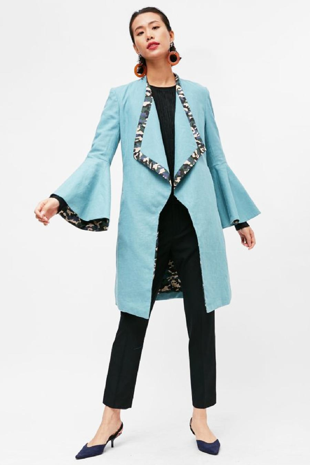 Yvette LIBBY N'guyen Paris Women_ Trenchcoat/ Manteaux_ Island Paradise - Front Cropped Image