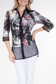 Yvonne Marie Abstract Print Blouse - Product Mini Image