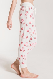 z supply Blow Kisses Jogger - Side cropped