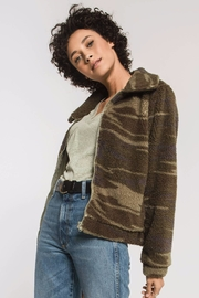 z supply Camo Sherpa Jacket - Back cropped