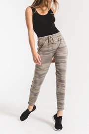 z supply Camo Sporty Jogger Pant - Front cropped