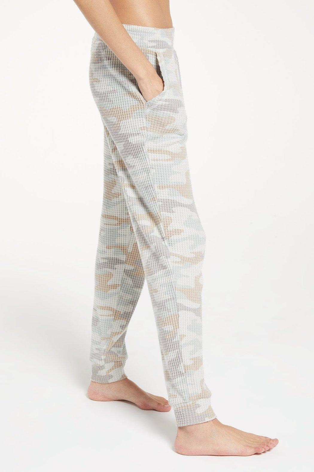 z supply Cozy Camo Joggers - Side Cropped Image