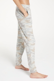 z supply Cozy Camo Joggers - Side cropped