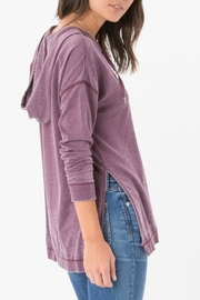 z supply The Quinn Hoodie - Side cropped