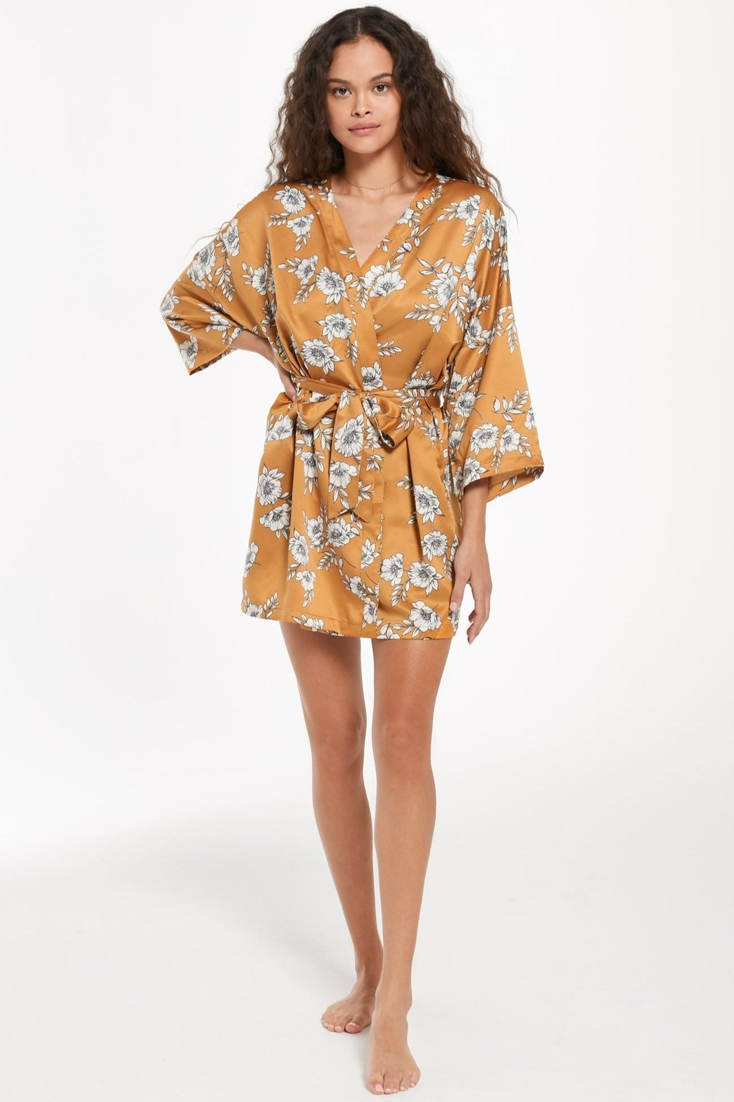 z supply Vacay Floral Satin Robe - Side Cropped Image