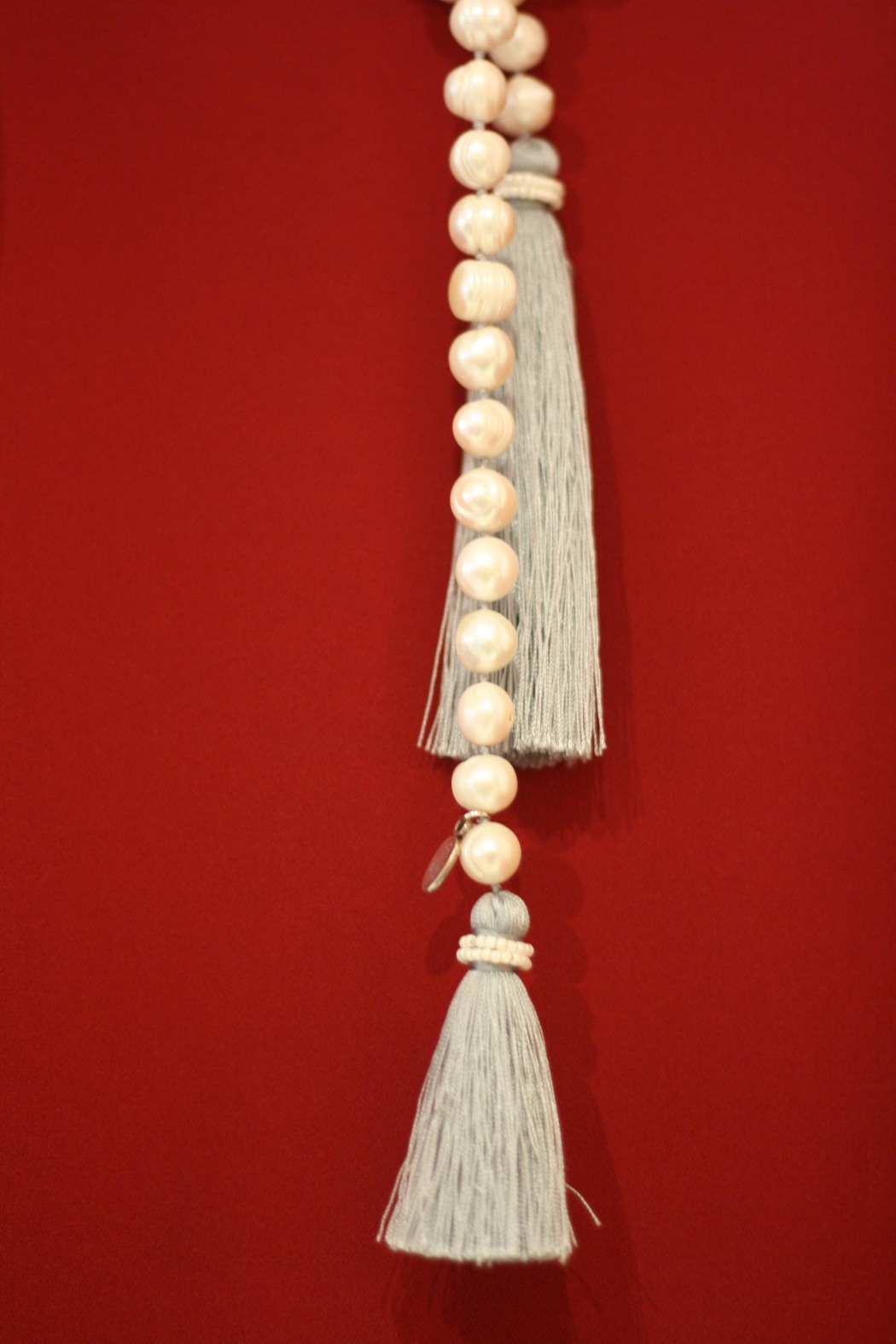 Zacasha Long Pearl Necklace - Side Cropped Image
