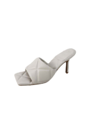 Bamboo Zeal-07 Quilted Heel - Front cropped