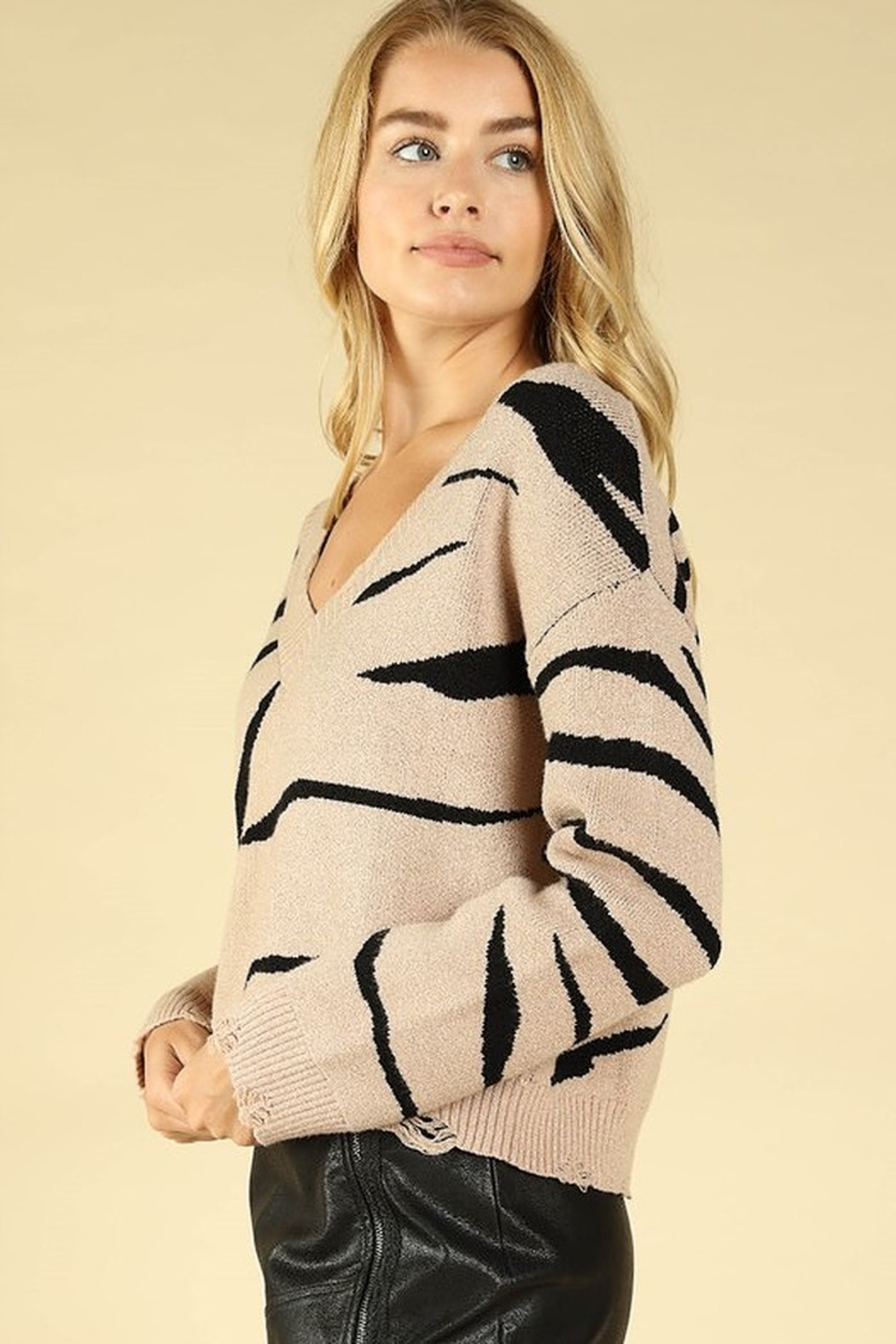 Honey Punch Zebra Stripe Distressed Sweater - Side Cropped Image