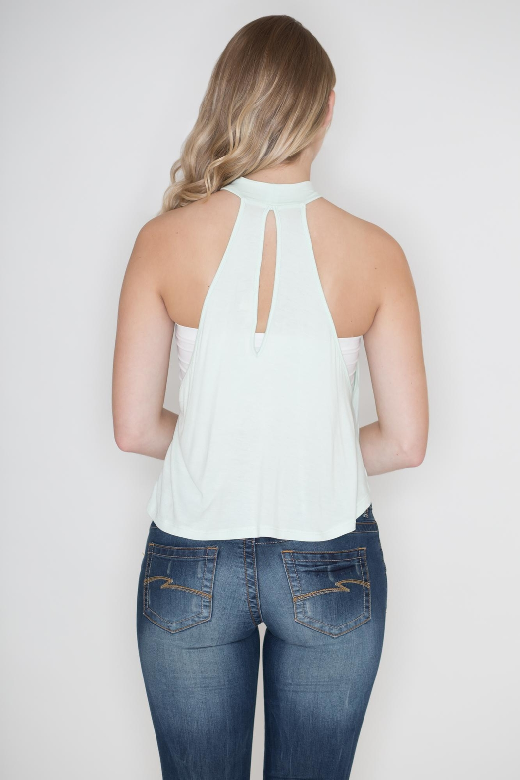 Zenana Outfitters Keyhole Crop Top - Side Cropped Image