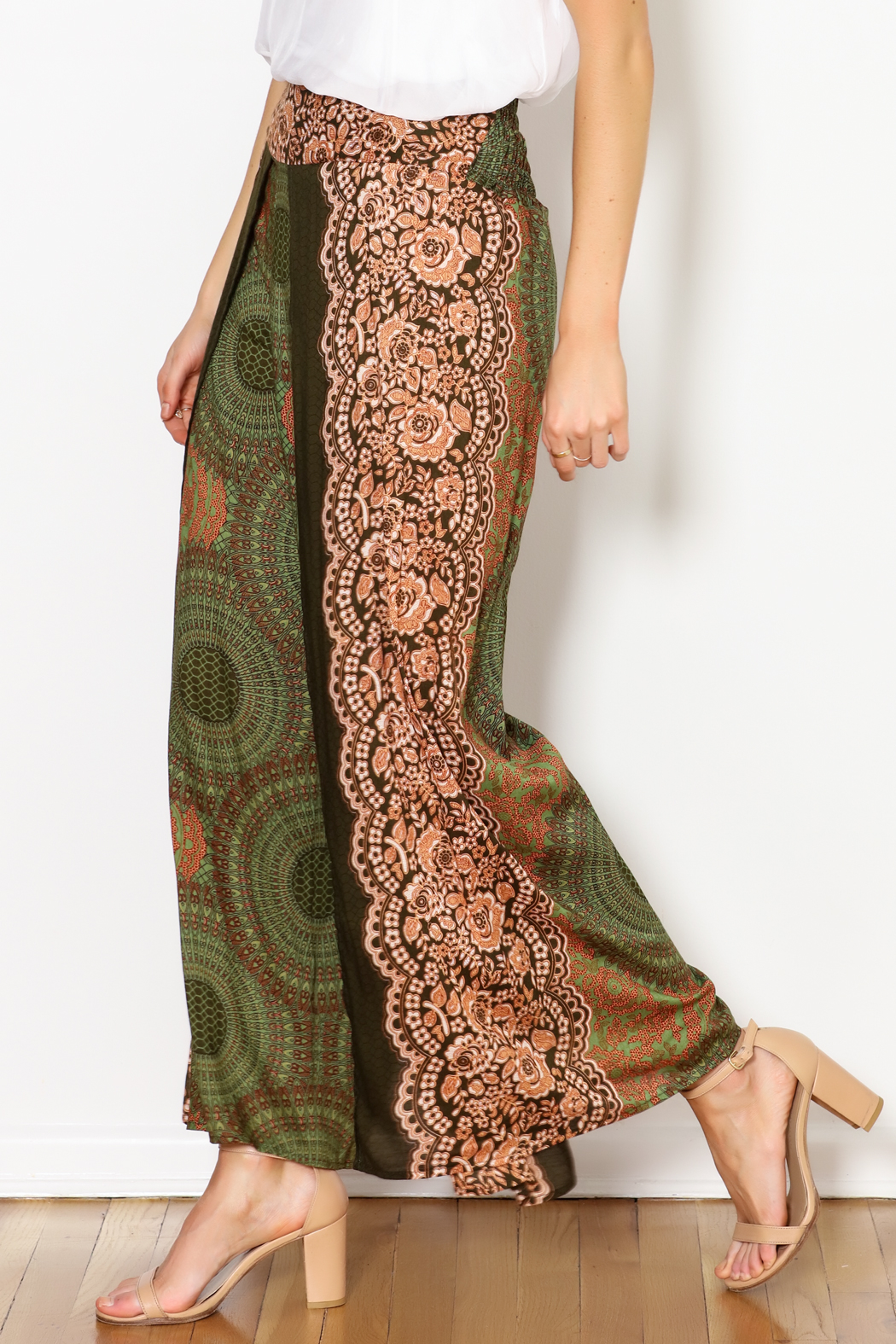 Zig Zag Palazzo Flower Pant - Front Cropped Image