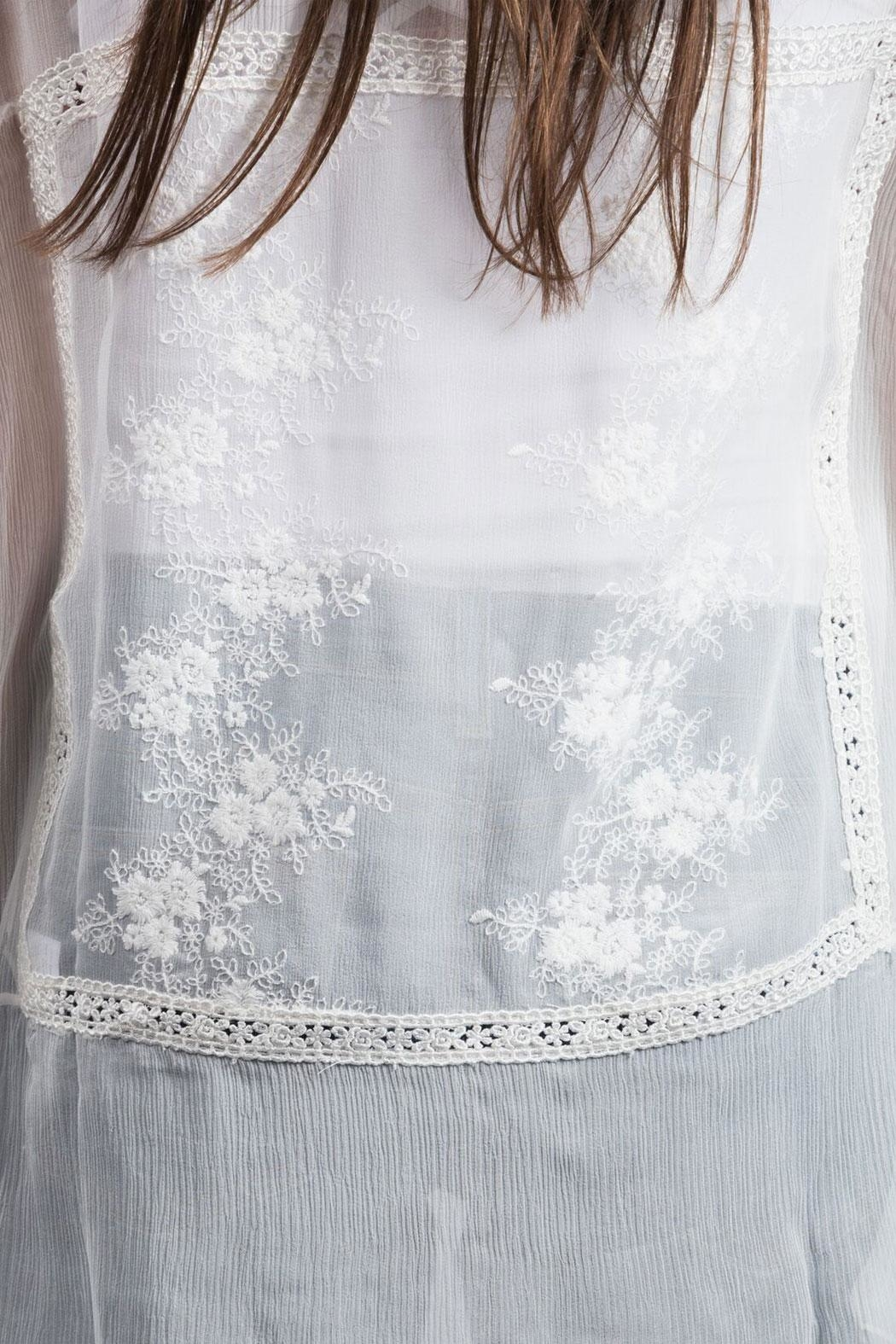 Zoa Embroidered Silk Top - Side Cropped Image