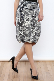 Zoology Print Bubble Skirt - Front cropped