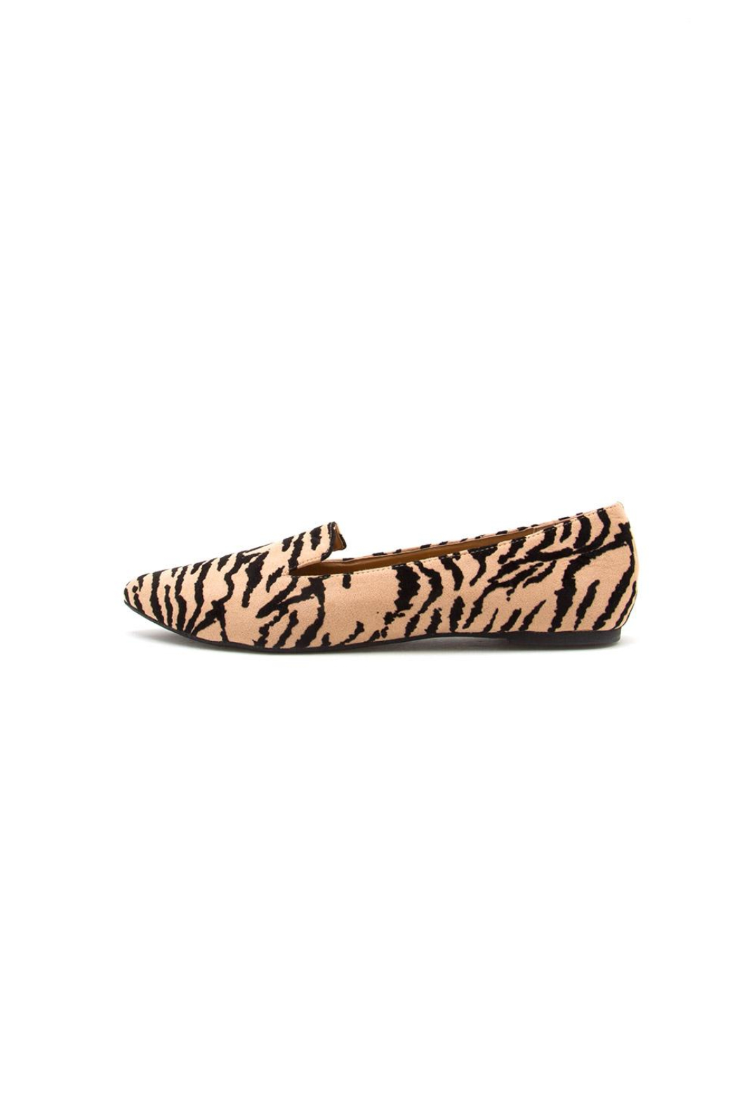 Qupid Zoom Tiger Flat - Front Cropped Image