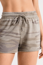 Zsupply Camo Sporty Shorts - Front cropped