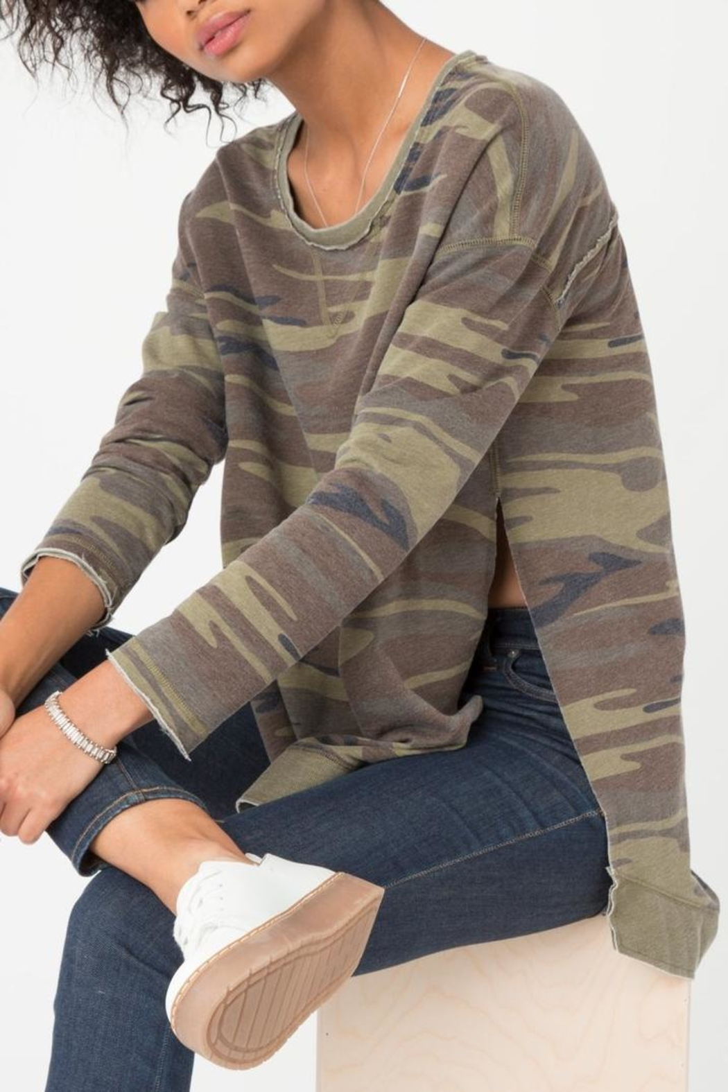 Zsupply The Camo Weekender - Side Cropped Image